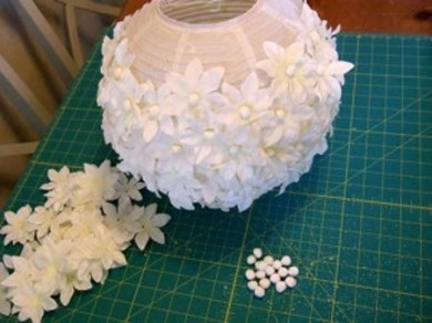 aprende-a-decorar-tus-lamparas-de-papel2